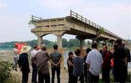 安徽南陵县318国道350米大桥爆破现场(组图)