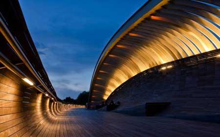 行业动态 建筑知识 > 正文     亨德森波浪桥是新加坡最高的人行天桥